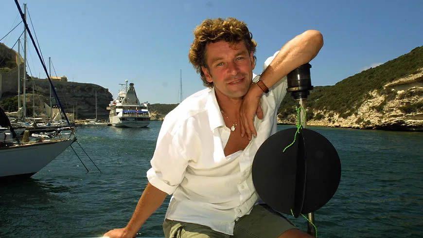 En Bretagne ou ici en Corse, Patrick Dupont aimait se ressourcer face à la mer. © Maxppp - Michel Luccioni