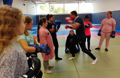 Stage - Judo, boxe et jeux d'opposition - pendant les vacances pour les filles du quartier (communiqué)