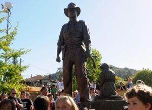 Inauguration des statues de yoda et d'indie à San Anselmo