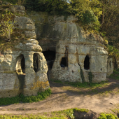 9th century Anglo-Saxon cave house identified in Derbyshire