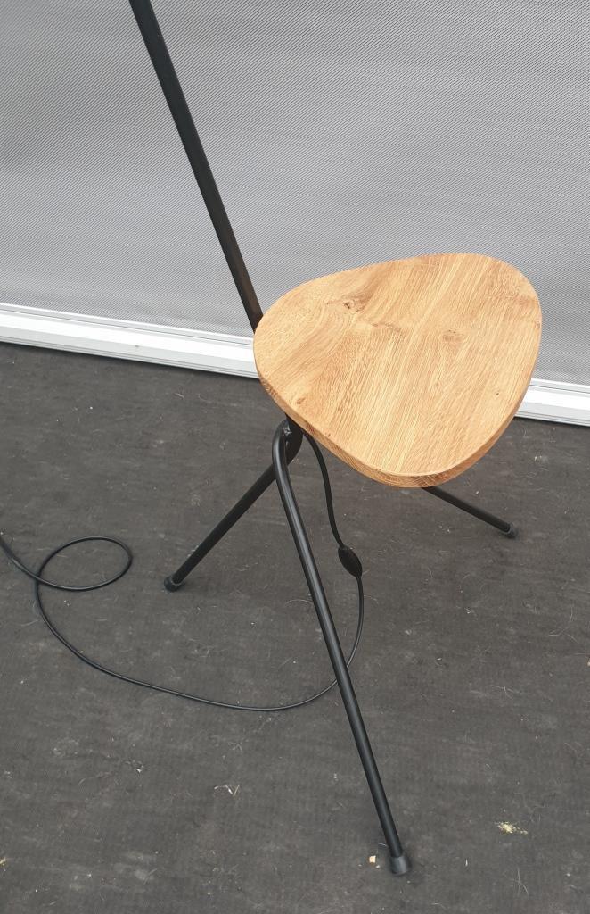 LAMPADAIRE TABLETTE CHENE VERRE TULIPE ORANGE - 250 euros