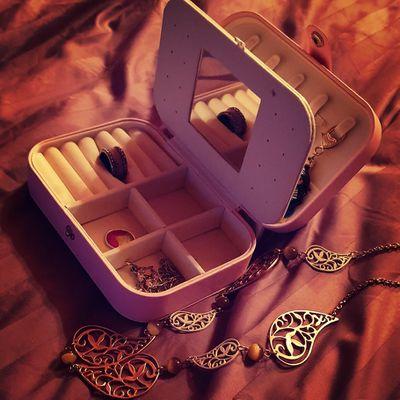 Protégeons nos bijoux avec Votre Boite à Bijoux