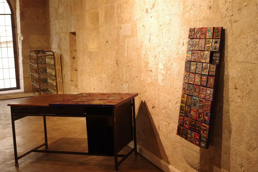 En pleine installation, les meubles de Pierrick Frère sont déjà en place....la suite à voir à partir du 14 avril