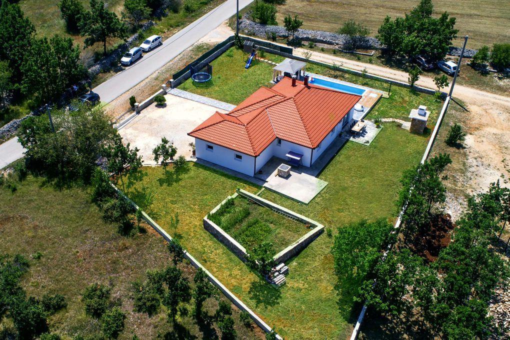 Villa with pool in Makarska region
