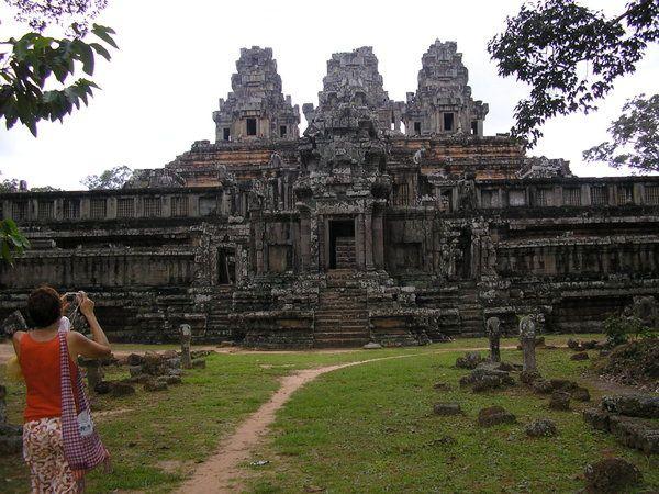 Đế Thiên Đế Thích là một di tích lịch sử nổi tiếng của Cam bốt từ bao thế kỷ. Khi bé ở Saigon, tôi vẫn mơ một ngày nào đó, tôi sẽ được đi thăm.... Giờ đây giấc mơ thành sự thật...