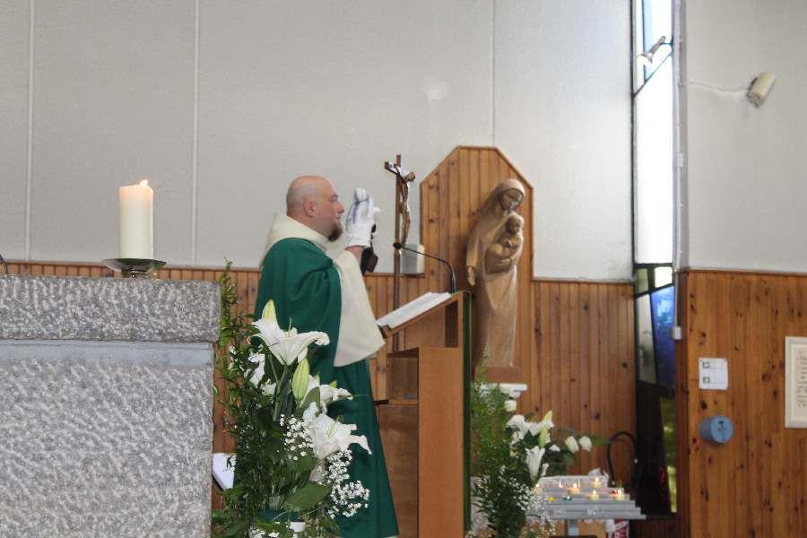 La Première Communion à St François de Montmorency 20.6.21- Pierwsza Komunia w parafii sw Franciszka w Montmorency