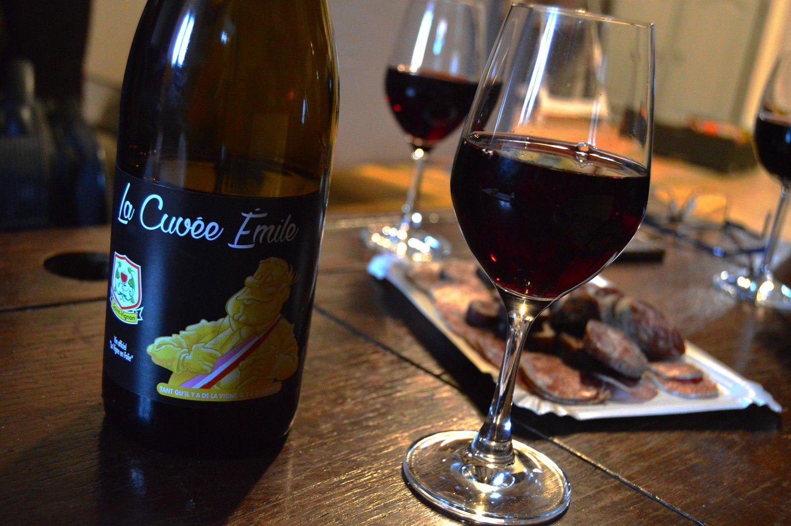 La rencontre s'est faite autour d'un bon vin... de Saint-Vignan.