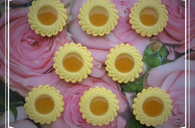 Petites tartelettes à la confiture de rhubarbe