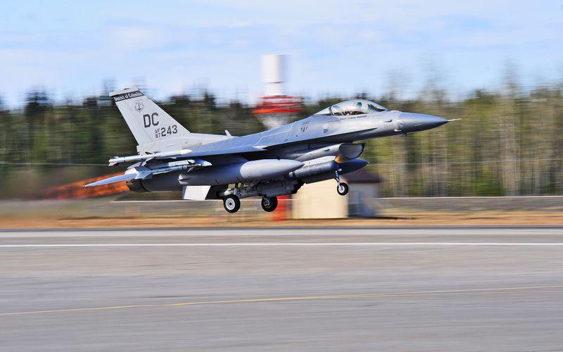 Un F-16C du 121st Fighter Squadron s'est écrasé près de Washington