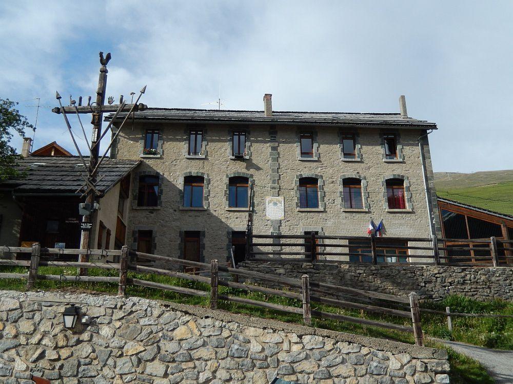 """SAINT VERAN """"un des plus beaux villages de France"""" la commune habitée la plus haute d'Europe"""