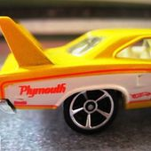 70 PLYMOUTH SUPERBIRD DAYTONA HOT WHEELS 1/64 - car-collector.net