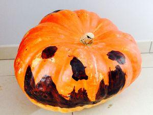 Dessin dirigé sur le thème d'Halloween, le classique de la saison