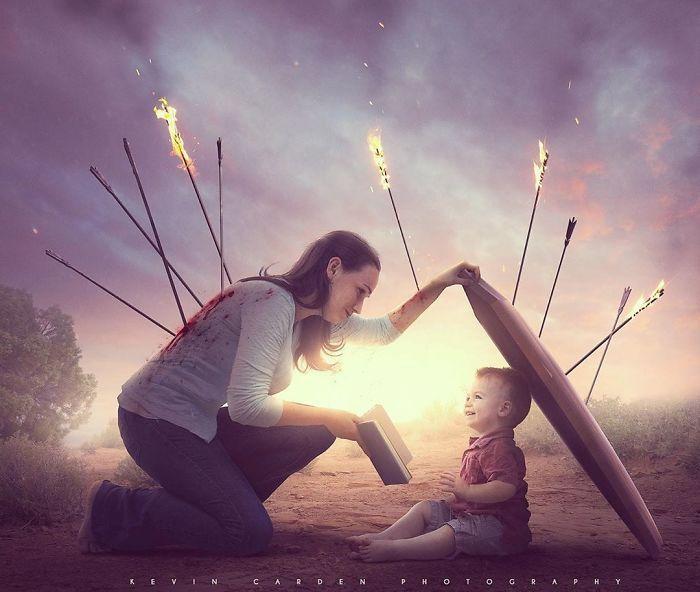 Instruis l'enfant selon la voie qu'il doit suivre; Et quand il sera vieux, il ne s'en détournera pas (Proverbes 22:6 ). Kevin Carden