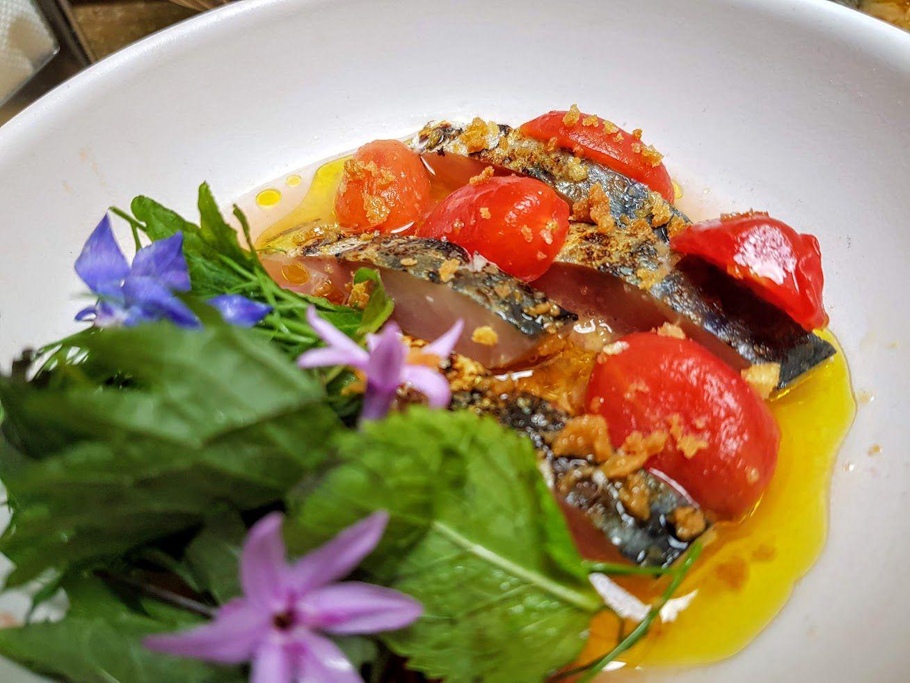 Maquereau cru et eau de tomate Amagat restaurant PAris 20