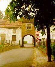 La porte charretière du château de Trazegnies