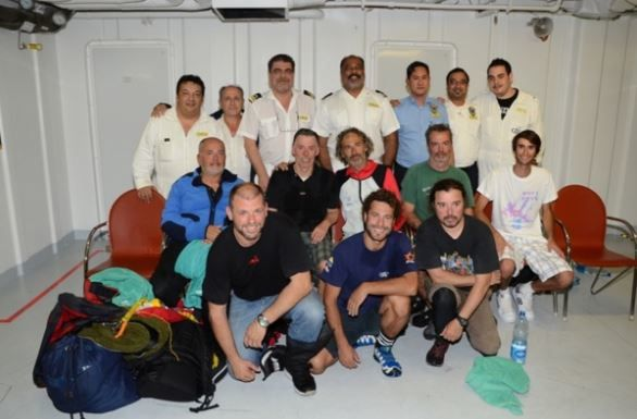 8 naufragés secourus en plein Atlantique par le paquebot Costa Deliziosa