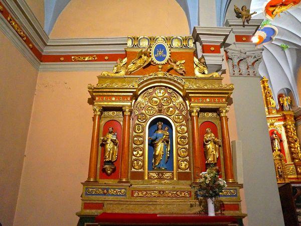 Le rétable gauche de l' Eglise d'Argentière (74)