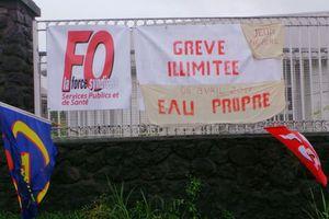 Eau impropre : Les grévistes du GHER de St-André...