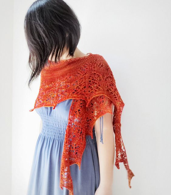 Pomegranate shawl par Yellowcosmo