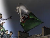 Avec le peuple algérien d'Alger à Paris