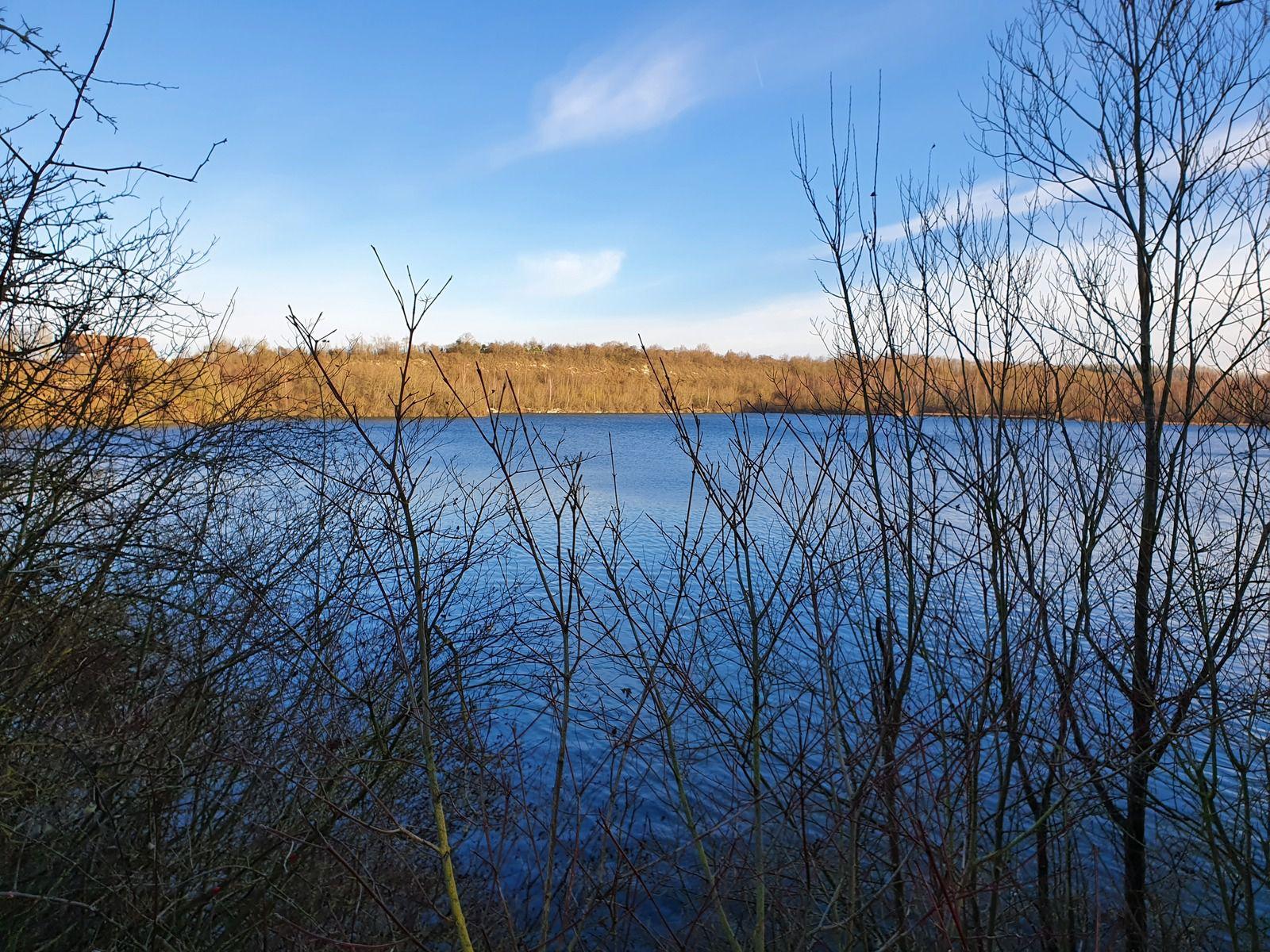 Le Lac Bleu, à Roeux