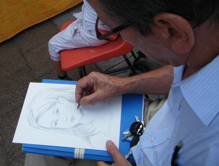 Les 16 et 26 mars 2011 à Limours dans le cadre du Festival Méli-Mélo - Mai 2011 Portraits du personnel de la Médiathèque G. Sand - 27 janvier 2012 : Préparation de l'exposition de l'Atelier Portrait à la Médiathèque de Palaiseau