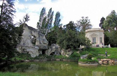 Le belvédère et ses sphinges, jardin anglais de Trianon
