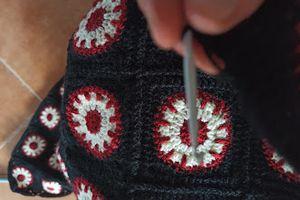 comment assembler des carrés au crochet