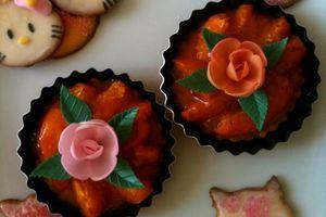 tartelettes aux abricots et petits sablés hello kitty.