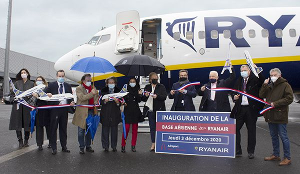 Inauguration base ryanair paris beauvais