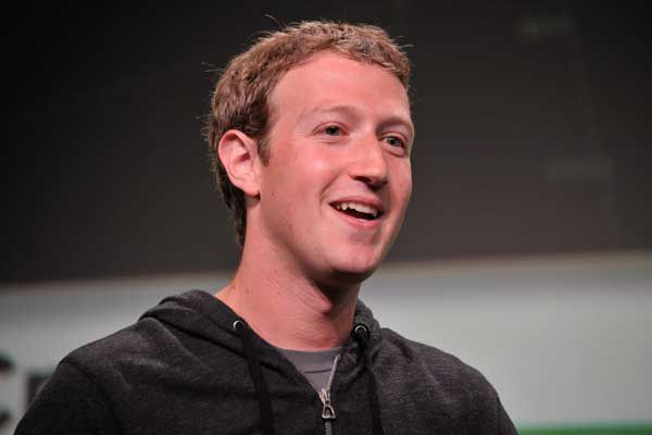 USA: Mark Zuckerberg le patron de Facebook, son salaire