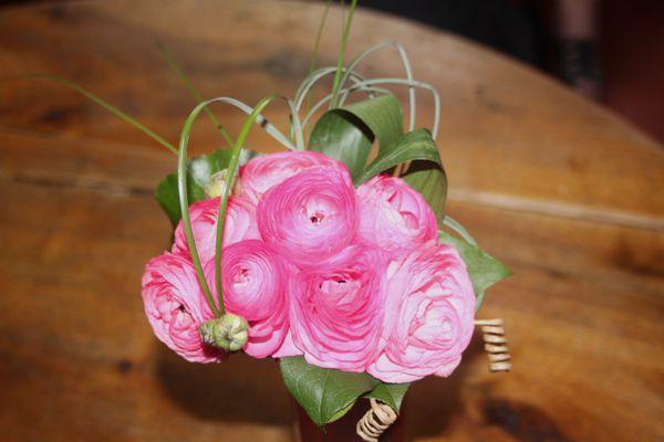 bouquets de fleurs, roses, Rolande fleuriste étal aux halles de Narbonne