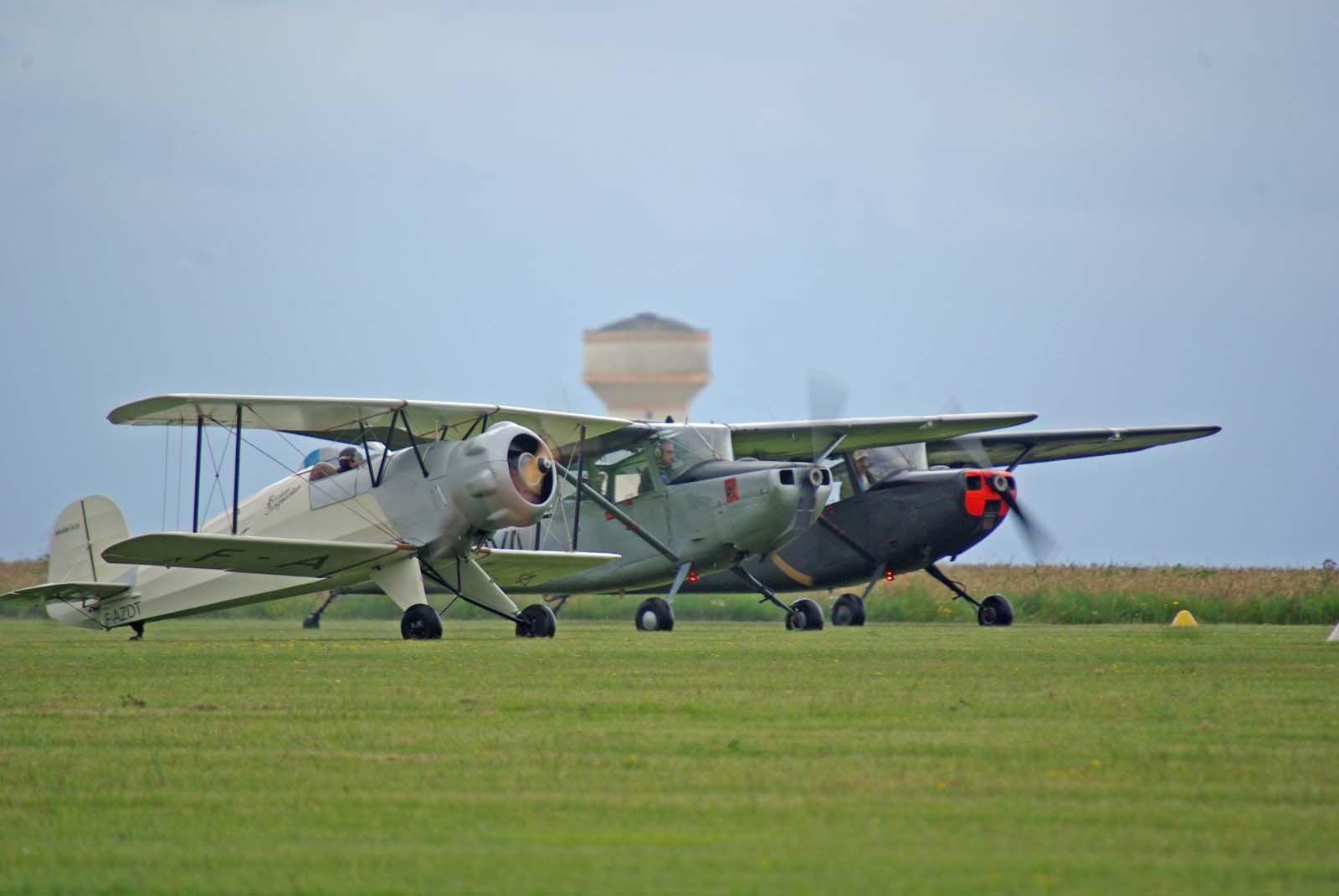 Il est temps de partir avec le décollage de certains appareils entre deux averses.