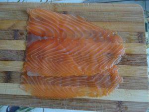 Roulés aux 2 saumons sur lit de courgettes