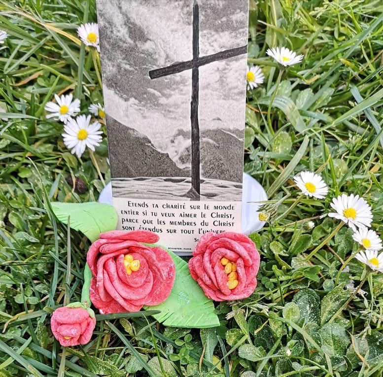 """Défi """"Fais fleurir la croix"""""""