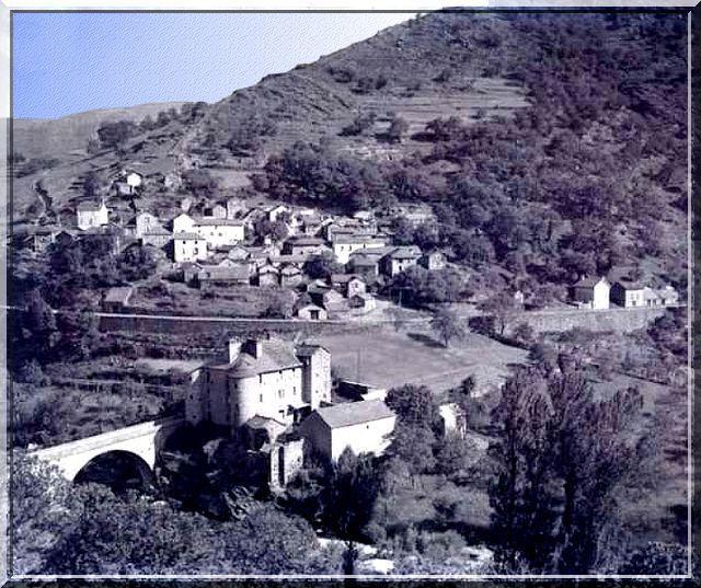 Diaporama château de Castanet - Pourcharesses