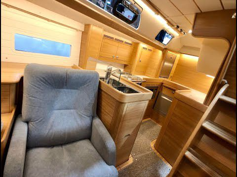 Video - 14 minute private walkthrough of the new Hallberg-Rassy 40C