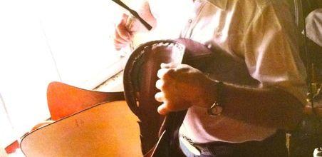 Alex Willms...Sellier traditionnel et homme de cheval.