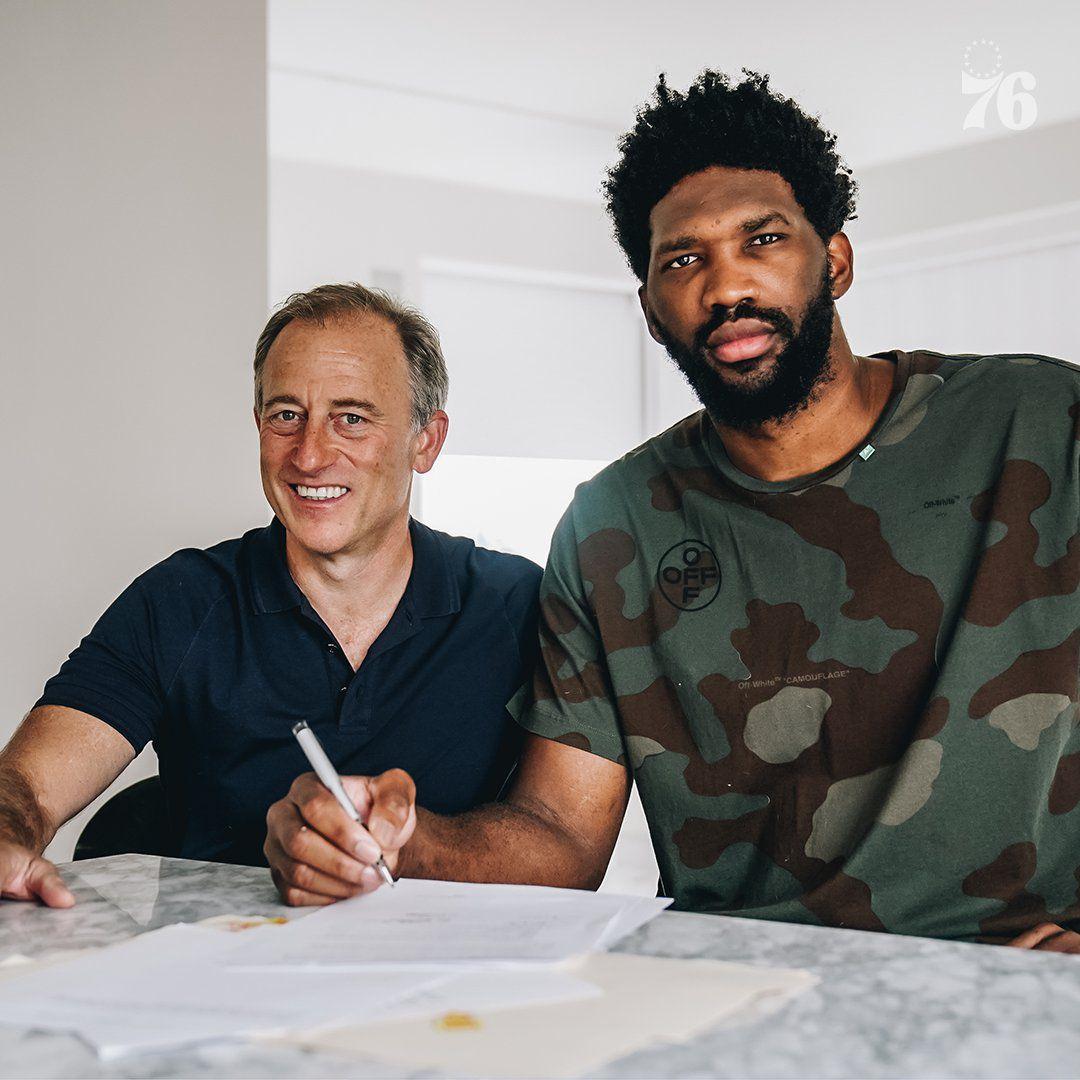 Joel Embiid prolonge aux Philadelphie Sixers pour 196 millions de dollars sur quatre ans