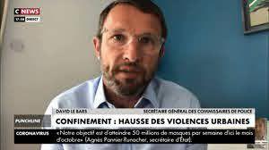 Évacuation de migrants à Paris : un syndicat de policiers reconnaît «un geste inapproprié»