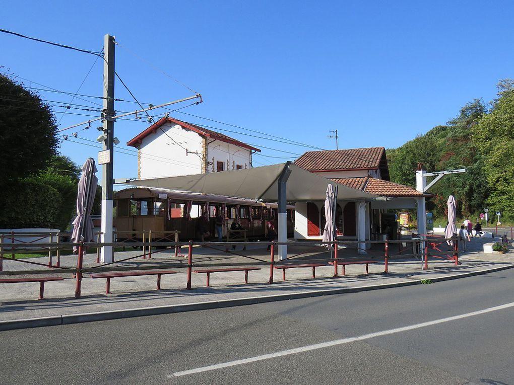 """""""Un des plus beaux villages de France"""" des Pyrénées Atlantiques, au pied de la Rhune,"""