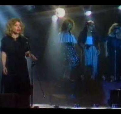 Une des nouvelles et belles chansons de Chava Albersteïn. J'aime.