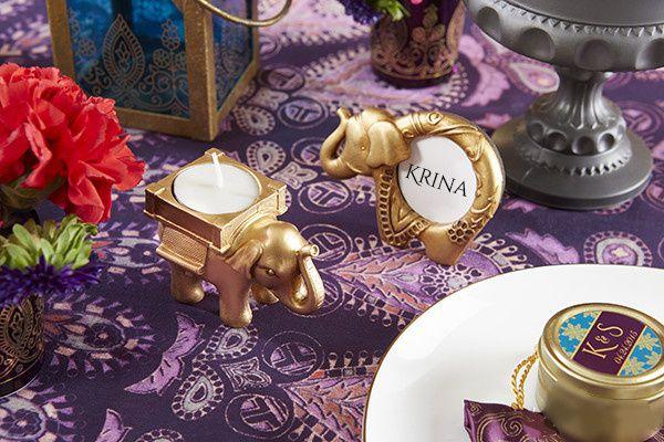 Décoration de mariage oriental en violet fushia et or