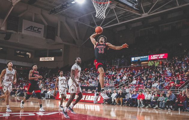 NCAA : Jordan Nwora détruit Boston College en signant 37 points et 9 rebonds