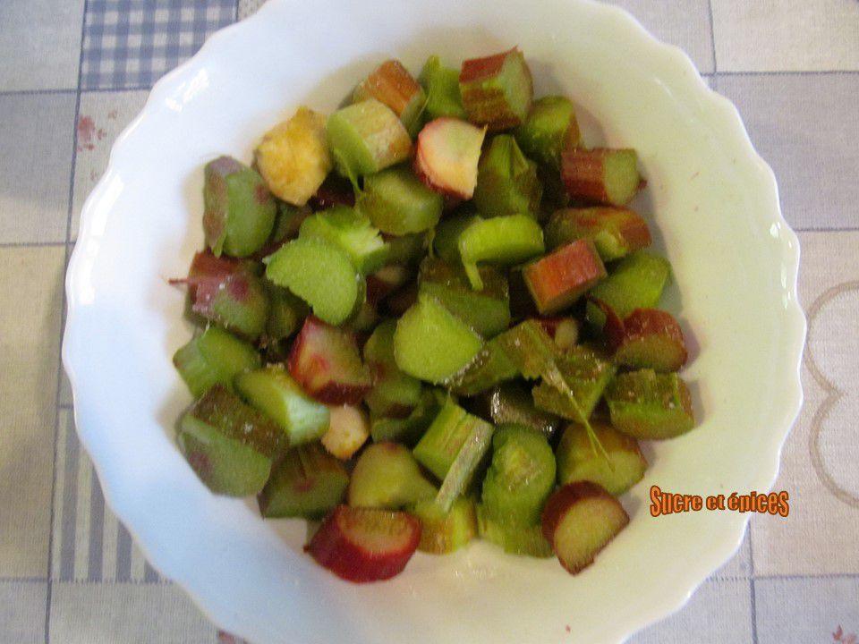 Tarte macaronée rhubarbe et noix - Recette en vidéo