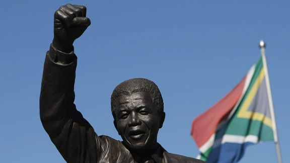 NELSON MANDELA - PRISONNIER - PRESIDENT ... NI SAINT, NI PROPHETE... UN HOMME