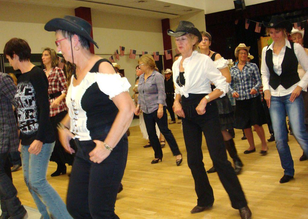 Bal de Lorris du 15 octobre 2011 Merci Jean-Alain pour les photos
