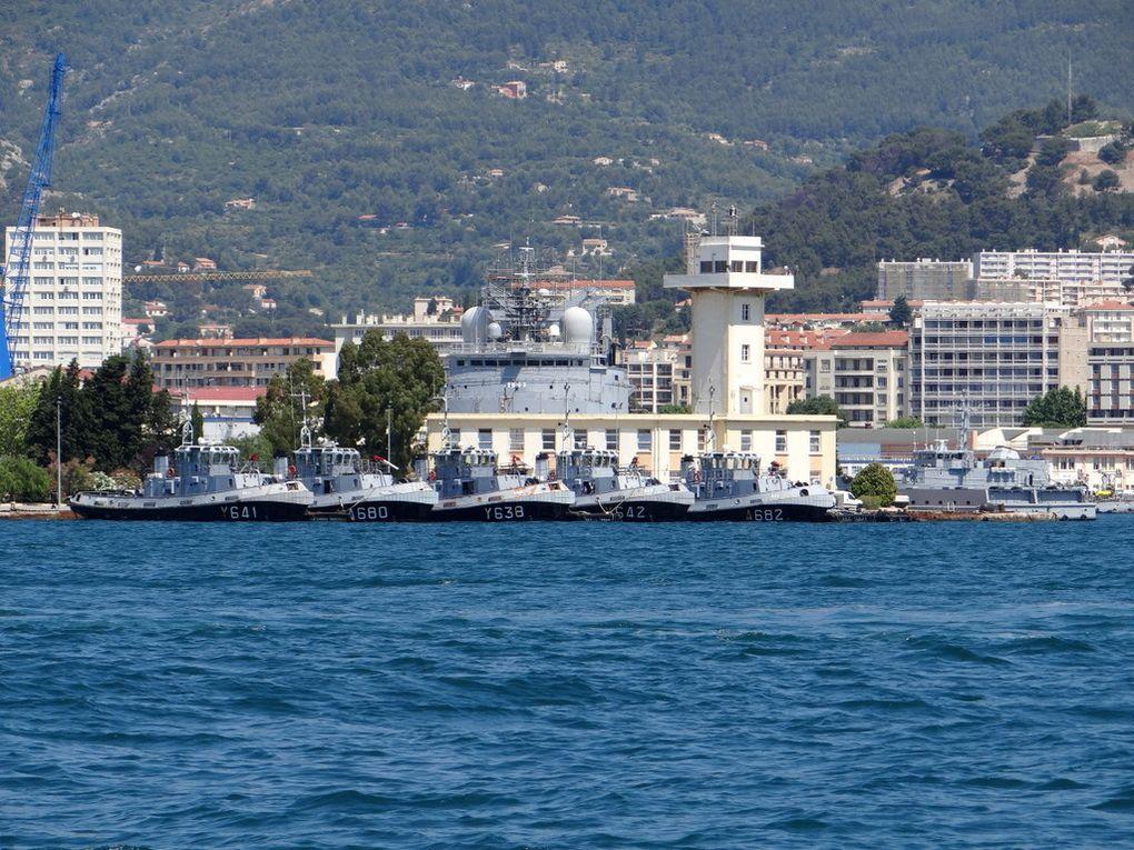 Les remorqueurs , de la base navale le 02 juin 2015