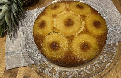 """Volteado de Piña"" (gâteau renversé à l'ananas)"