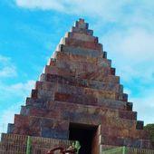 balade dans les avants monts 5: La pyramide de Cavenac